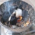 Photos: IMG_8187 炭熾しは紙で充分