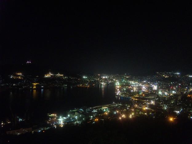 鍋冠山公園展望台から、長崎市内の夜景を