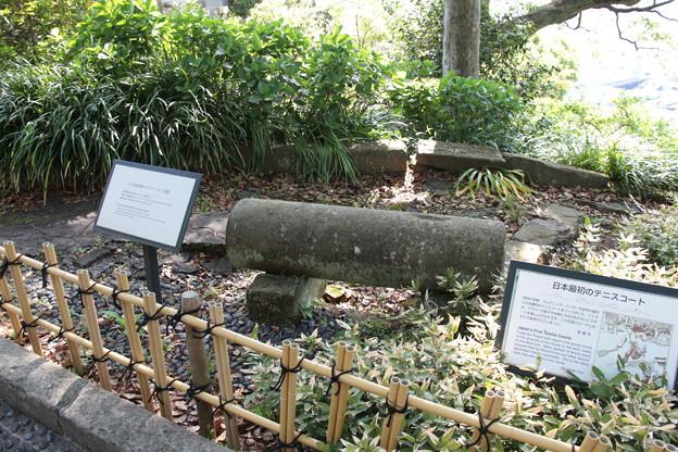 032 4月30日 長崎市内 グラバー園 日本最初期のアスファルト道路と日本最初のテニスコートで使われた石造りローラー
