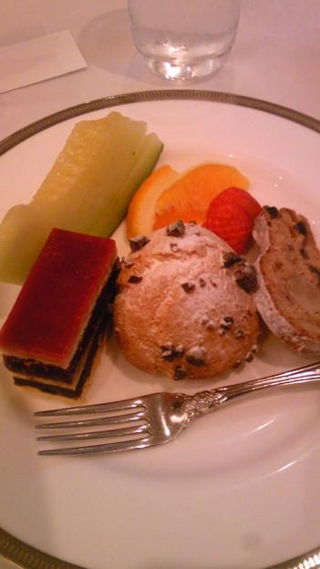 Photos: 忘年会のクリスマスディナー・・・のデザート。あとは食べちゃったの...
