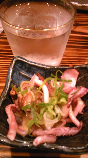 Photos: イカ下足酢味噌100円と二階堂水割りを