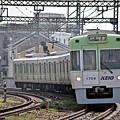 ライトグリーンの電車