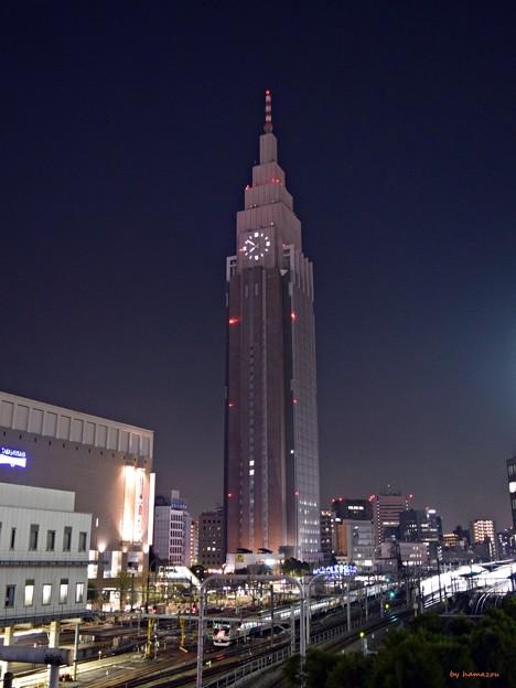 夜の新宿摩天楼