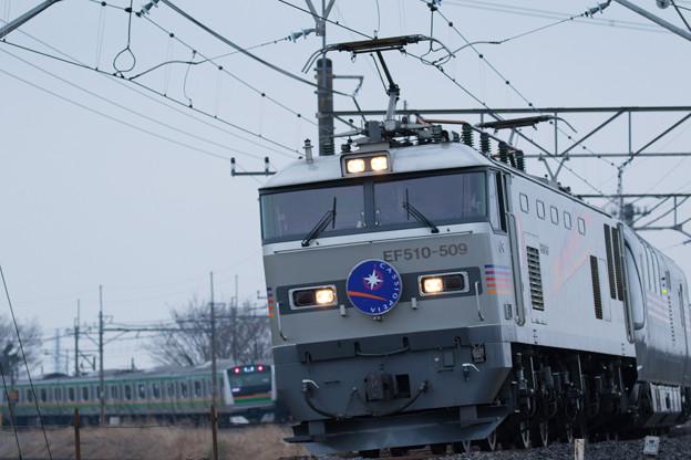 8009レ寝台特急カシオペア@水沢踏切2