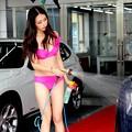 ビキニで洗車by北京 ちなみにお値段880元 (2)