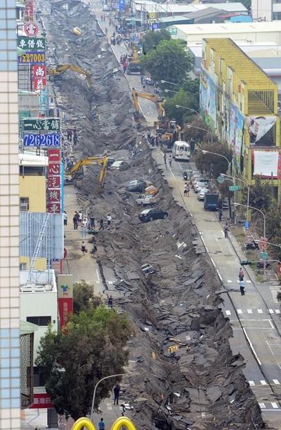 台湾高雄の惨劇 まるでダイハードかと思えるような爆発の後・・・ (1)