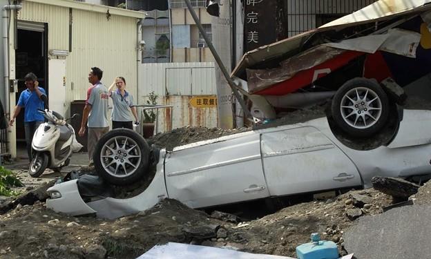 台湾高雄の惨劇 まるでダイハードかと思えるような爆発の後・・・ (7)