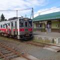 茶内駅で列車交換待ち