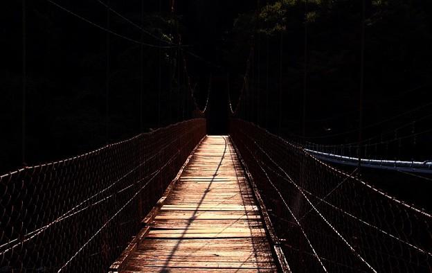 木のつり橋