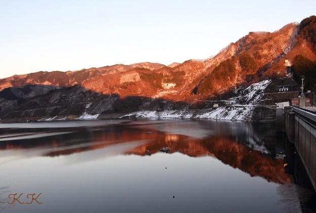 山が夕焼けに染まる時…