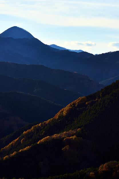 晩秋の御荷鉾山