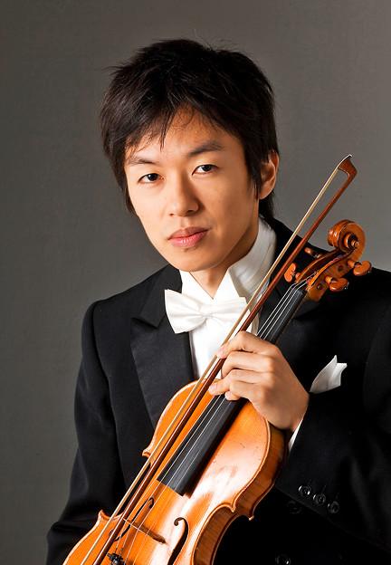写真: 三上亮 みかみりょう ヴァイオリン奏者 ヴァイオリニスト   Ryo Mikami