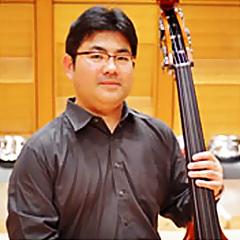 西山真二 にしやましんじ コントラバス奏者            Shinji Nishiyama