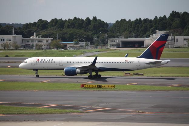 デルタ航空 ボーイング757-200 N536US