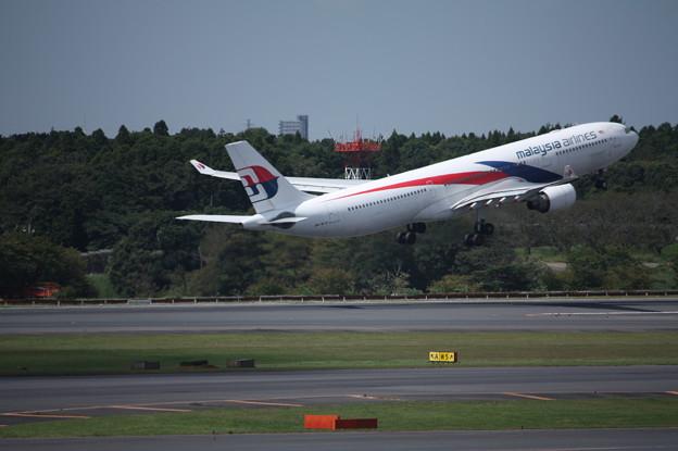 Photos: マレーシア航空 エアバスA330-300 9M-MTB (4)