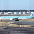 写真: 大韓航空 ボーイング777-300 HL7573