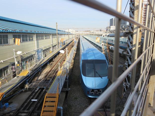 小田急電鉄海老名検車区(海老名駅隣接) ロマンスカー停車中