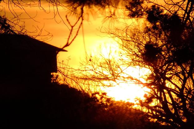 日が傾く、京都市で観測した太陽