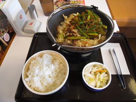 すき家 8号上越下荒浜店 カルビ鍋定食(期間限定)¥745