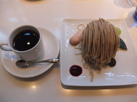 傘風楼 モンブラン朱雀&ブレンドコーヒー¥1250