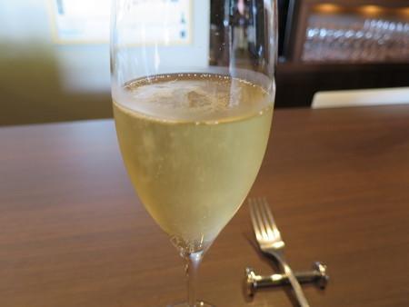 ワインサロン エルミタージュ スパークリングワイン(バル街メニュー)