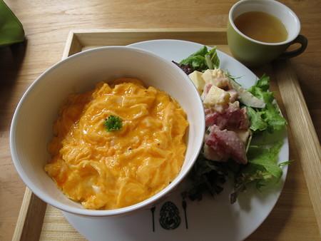 フェルの台所 ふわとろオム丼(限定20食)¥900(セット価格)