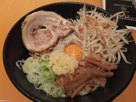 麺ぐるい 高田本町店 まぜそば(太麺&背脂多め)¥600