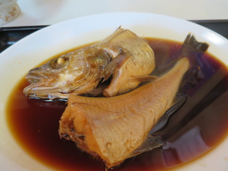 食堂 大鵬 煮魚定食(タラの煮付け) アップ