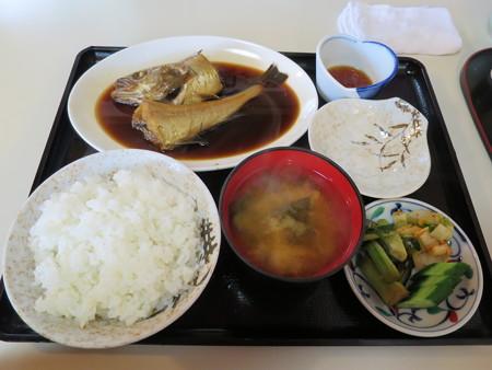 食堂 大鵬 煮魚定食(タラの煮付け)¥750