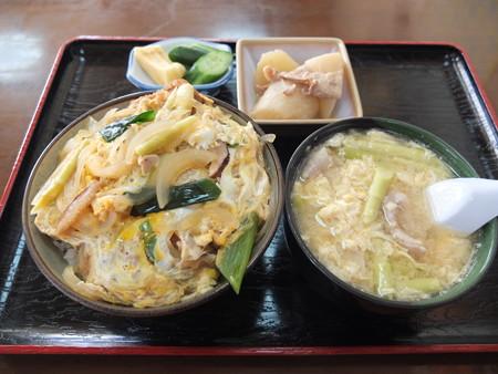 七福食堂 カツ丼(味噌汁抜き)¥900&山竹汁¥600&大根の煮物(サービス)