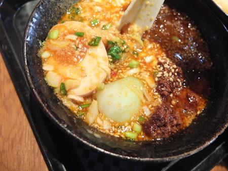宝来軒 総本店 特つけ麺(普)坦々つけ汁 具材の様子