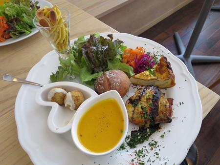 Sucre(シュクレ) ワンプレートランチ(肉料理)¥1200