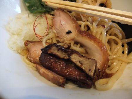 鶏がら屋 フォアグラ和え麺 フォアグラ&鶏肉アップ