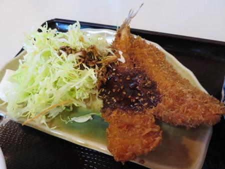 大鵬食堂 日替り定食(牛すき・めぎすフライ) めぎすフライアップ