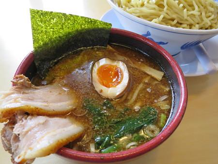 中華そば 二代目久二 つけめん(大盛り、冷盛り) スープ器アップ