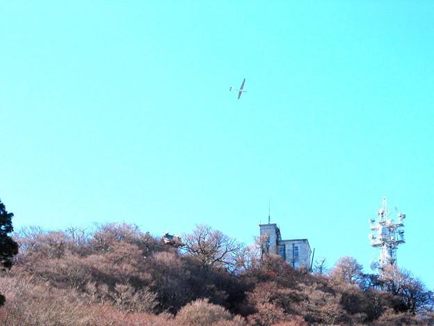 男体山上にグライダー