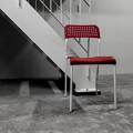 写真: 赤い椅子