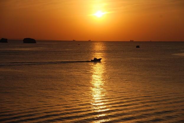 太陽の道と舟