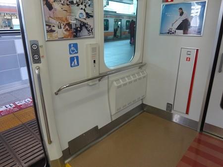 E2330-車椅子スペース