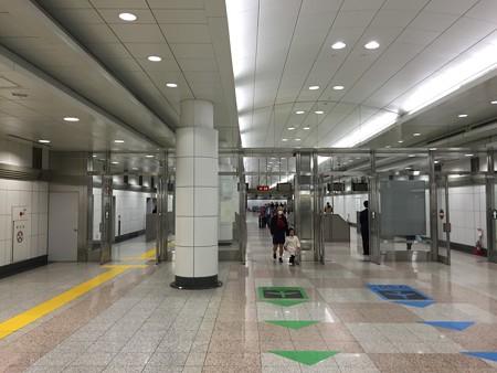 第2ターミナル駅出口