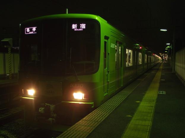 京王線代田橋駅2番線 緑の京王線各停新宿行き