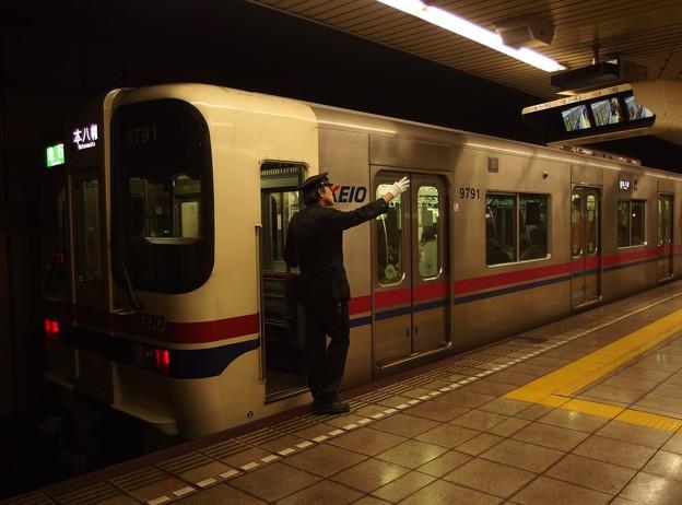 都営新宿線森下駅2番線 京王9041急行本八幡行き側面よし