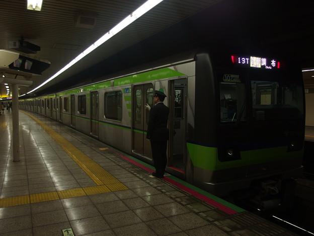 都営新宿線曙橋駅1番線 都営10-540F各停調布行き側面よし