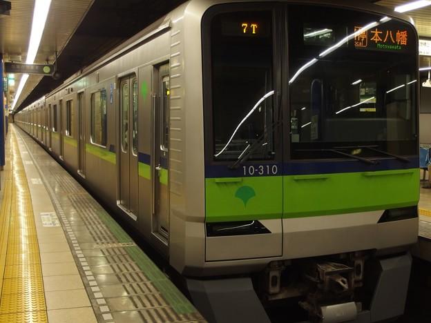 都営新宿線岩本町駅 都営10-310F各停本八幡行き