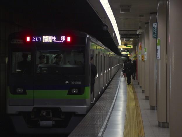 都営新宿線小川町駅3番線 都営10-500F各停笹塚行き前方確認