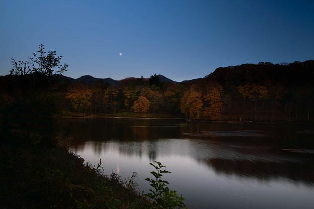 月と照月湖(3)