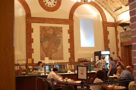 公共図書館カフェ