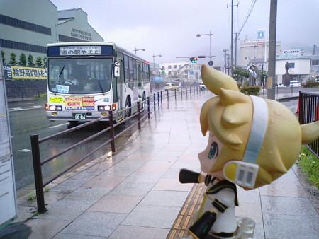 さて、釜石~宮古の間のJR山田線はまだ復旧していないので、代行輸...