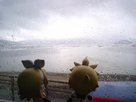 柳沢付近。 リン:「あんまり、うみうみ海ーってはしゃいでられない...