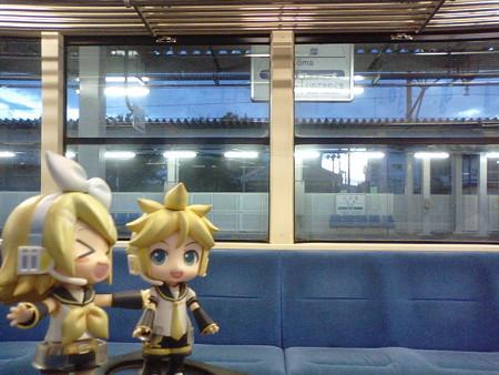 好摩駅に停車。JR花輪線がここから分岐します。 リン:「こうまち...
